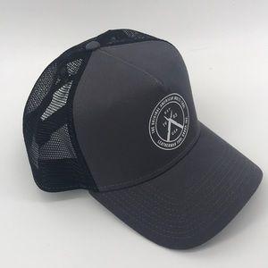 EUC Leatherman Tools SnapBack Trucker Hat   OS